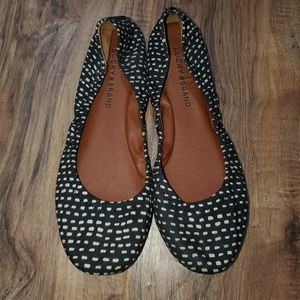lucky brand black and white emmie flats Sz 7.5